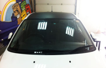 Оклейка автомобиля винилом Mazda Axela