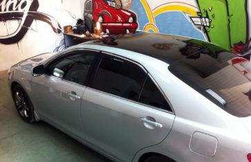 Оклейка авто винилом Toyota Camry