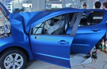 Работа с дилером.  Peugeot 308 в синий матовый металлик.