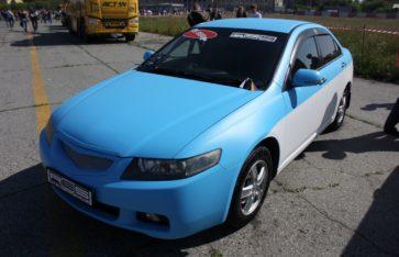 Honda Accord. Blue & White.
