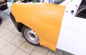 Брендирование автомобиля Peugeot partner TNT.