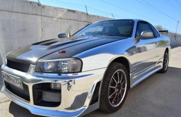 Nissan Skyline. Chrome.