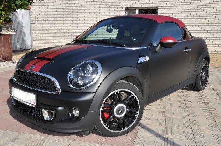 Стильный Mini Cooper S  «Черно — бордовый мат»