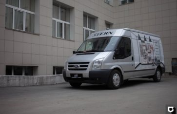 Брендирование 2-х автомобилей для компании STERN