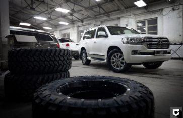 "Toyota Land Cruiser 200 ОКЛЕЙКА В ПОЛИУРЕТАН ""HEXIS BODYFENCE"""