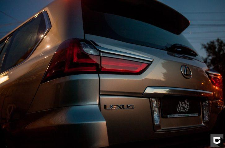 Lexus 570 оклейка кузова полиуретановой пленкой