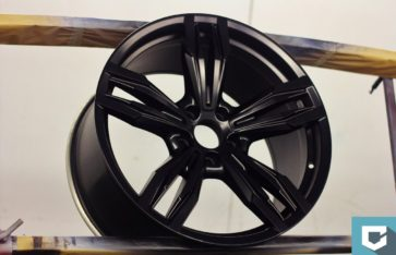 Покраска дисков BMW — «Черный глянец»