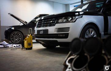 Range Rover Стилицация черной глянцевой пленкой