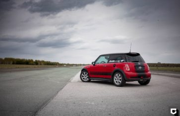 Mini Cooper S полировка кузова + стилизация черной матовой пленкой