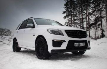 «Mercedes-Benz ML 6.3 AMG» оклейка кузова  белой матовой пленкой