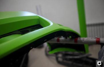 Ford Mustang оклейка кузова в зеленую матовую пленку