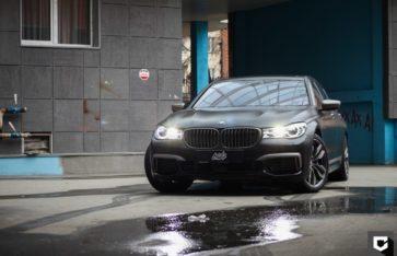 BMW M760 Li оклейка кузова матовой полиуретановой пленкой