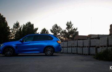 BMW X5M  Синий Матовый Хром