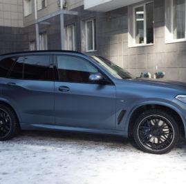 BMW X5 G05 «Полная оклейка в Satin Metallic Grey Blue»