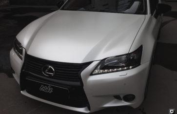 Lexus GS350 «Полная оклейка в белый перламутровый сатин»