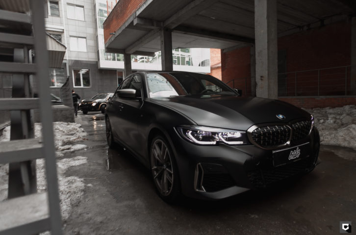 BMW 340i «Полная оклейка в матовый полиуретан»
