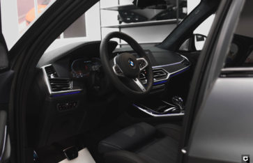 BMW X7 Dark Shadow «Полная оклейка в прозрачный матовый полиуретан»