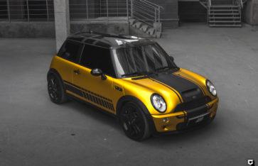 Mini Cooper S «Оклейка в желтый матовый хром»