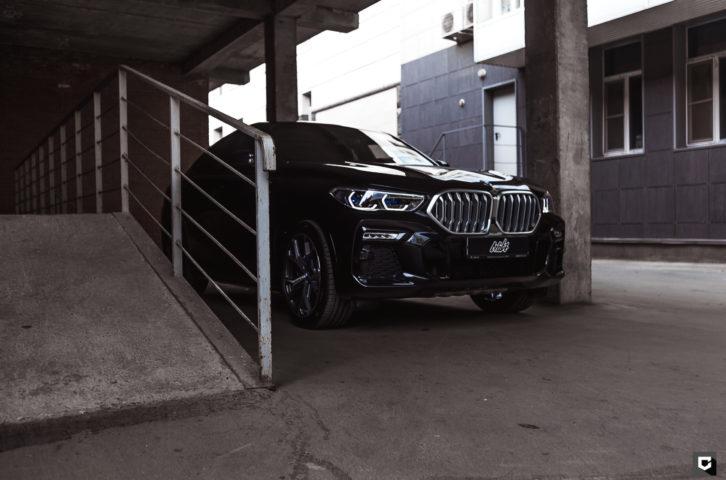 BMW X6 «Полная оклейка в прозрачный полиуретан»