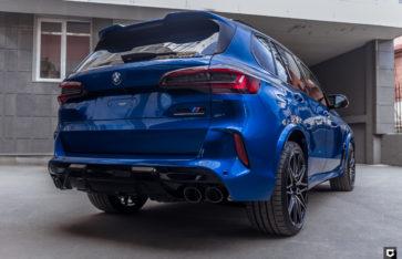 BMW X5M Competition (Полная оклейка в глянцевый полиуретан)
