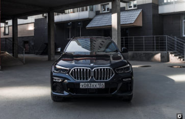 BMW X6 (Оклейка фронтальной части в глянцевый полиуретан)