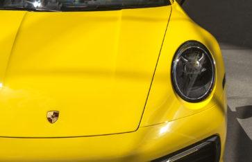 Porsche 911 Carrera 4s (Оклейка в глянцевый полиуретан)